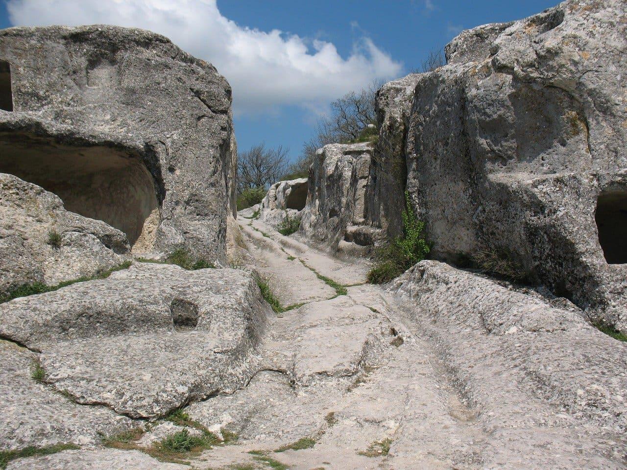 Пещерный город Эски-Кермен аренда автомобилей в Крыму